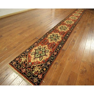 Antiqued Hand-knotted Wool Red Heriz Serapi Runner Floral Rug (3' x 21')
