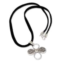 Handmade Sterling Silver 'Prairie Flower' Necklace (Peru)