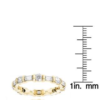 Luxurman 18k Gold 3 1/10ct TDW Diamond Baguette Eternity Band (F-G, VS1-VS2)
