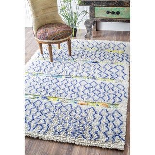 nuLOOM Handmade Moroccan Connected Diamonds Shag Blue Rug (5' x 8')