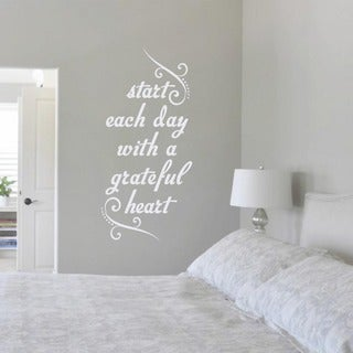 Start Each Day with a Grateful Heart' 17 x 36-inch Wall Decal (Option: GOLD)