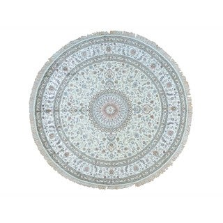 Hand-knotted Round Silken Esfahan 250 Kpsi Ivory Area Rug (9' x 9'1)