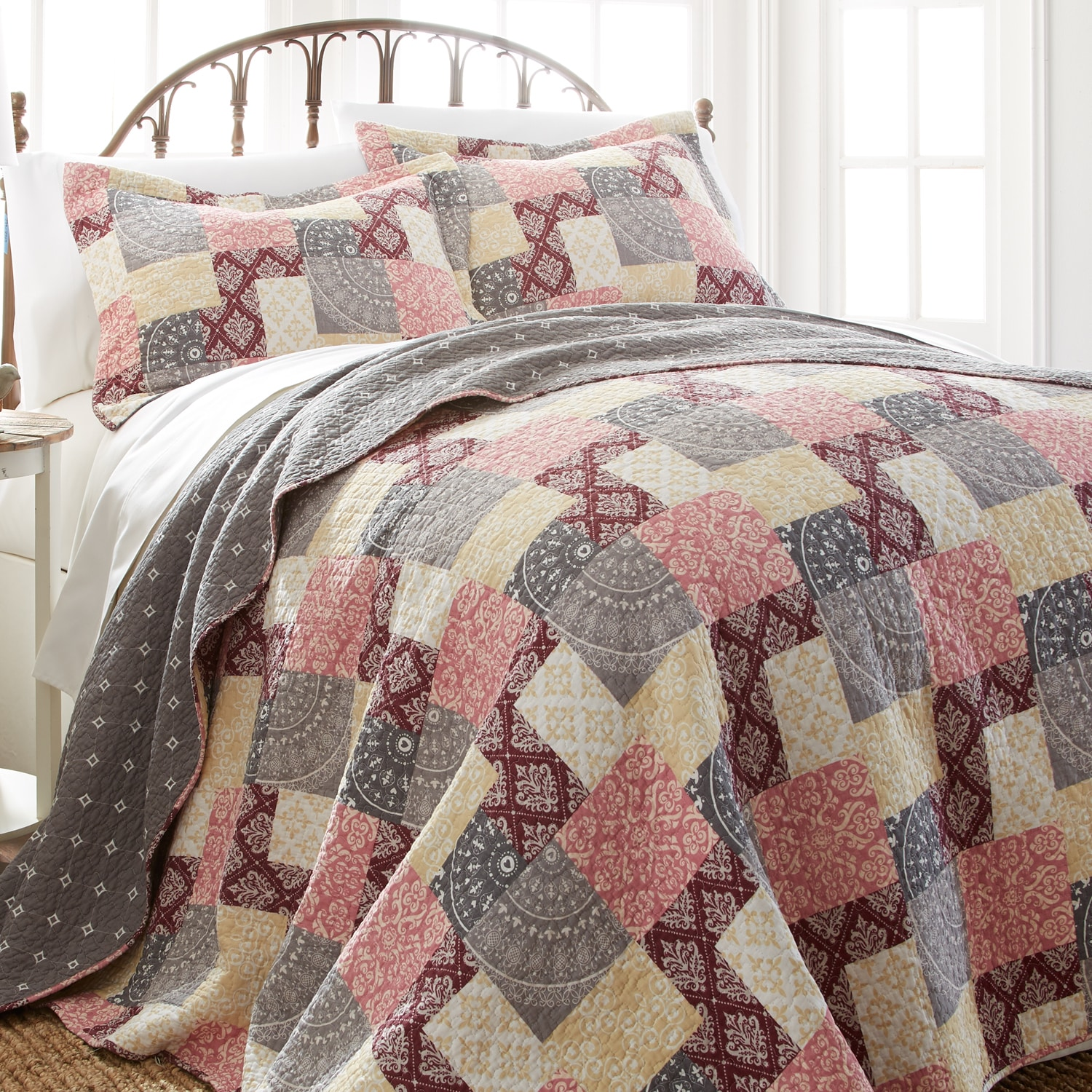 3pc CONTEMPORARY Red FLORAL Cotton Reversible QUILT SET Twin Full//Queen King