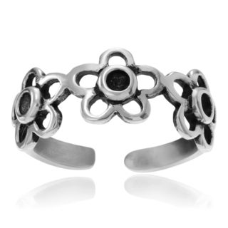Journee Collection Sterling Silver Flower Adjustable Toe Ring