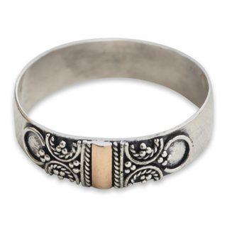 Handmade Gold Overlay 'Glad Arabesques' Ring (Indonesia)