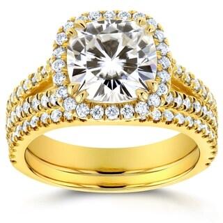 Annello by Kobelli 14k Yellow Gold Moissanite and 3/4ct TDW Diamond Halo 2-Piece Bridal Rings Set