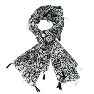 Handmade Black and White Symmetry Scarf with Tassels (India)