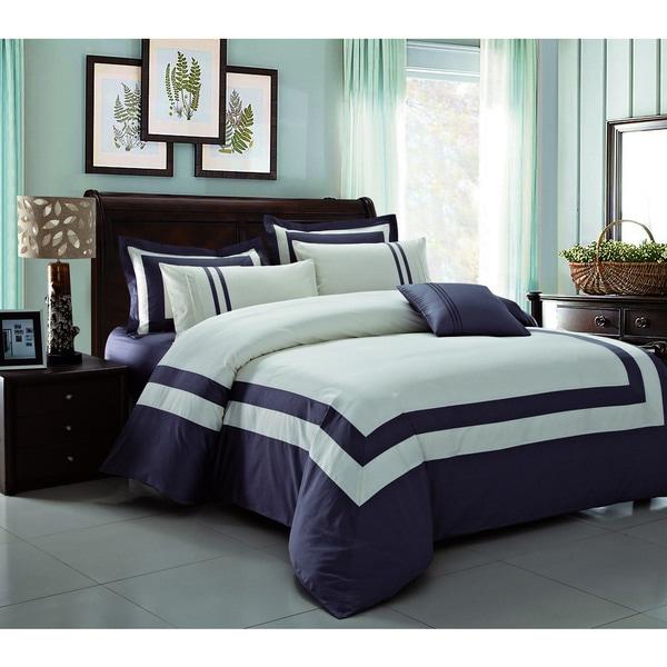Modest White with Purple Border 3-piece Comforter Set