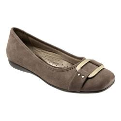 Women's Trotters Sizzle Signature Flat Taupe Kid Suede