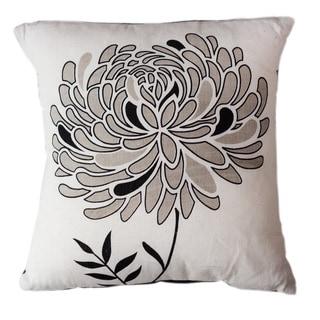 Handmade Lunar Dahlia Throw Pillow (India)