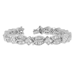 14K White Gold 8 5/8ct. TDW Princess and Baguette Diamond Geo-Twist Bracelet (G-H,VS1-VS2)