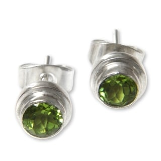 Handmade Sterling Silver 'Green Simplicity' Peridot Earrings (Indonesia)