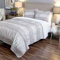 Adarsha Collection Grey 3-piece Quilt Set by Arden Loft