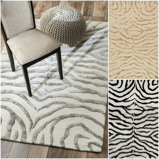 nuLOOM New Zealand Faux/ Silk Zebra Rug (Silver)(7'6 x 9'6) in Silver (As Is Item)
