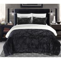 Gracewood Hollow Audet Pleated Sherpa Lined Black 7-piece Bed in a Bag Set
