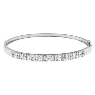 14k White Gold 1 1/6 CTTW Diamond Classic-look Bangle (H-I, Si1-Si2)