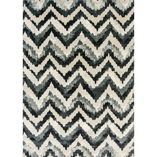 Cappella Faded Chevron Blue Area Rug (2'2 x 7'10)