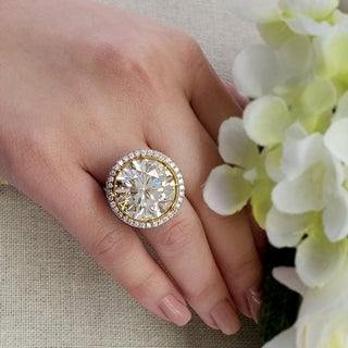 Auriya 18k Two-tone Gold 22 1/2ct TDW Natural Yellow Round-cut Diamond Halo Ring (E-F, VVS1-VVS2)