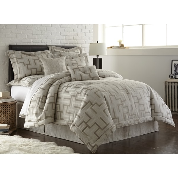 Austin Horn En Vogue Maze Platinum Grey 4 Piece Comforter Set