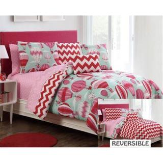 VCNY Away We Go Reversible Comforter Set