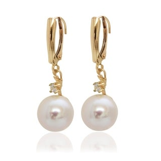 Pearlyta 14k Yellow Gold Freshwater Pearl with Cubic Zirconia Leverback Earrings (8-8.5mm)