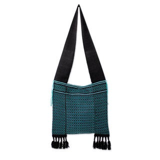 Handcrafted Cotton 'Spring Dreams' Shoulder Bag (Thailand)