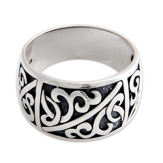 Handmade Men's Sterling Silver 'Majapahit Soldier' Ring (Indonesia)