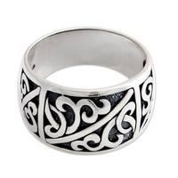 Handmade Men's Sterling Silver 'Majapahit Soldier' Ring (Indonesia)