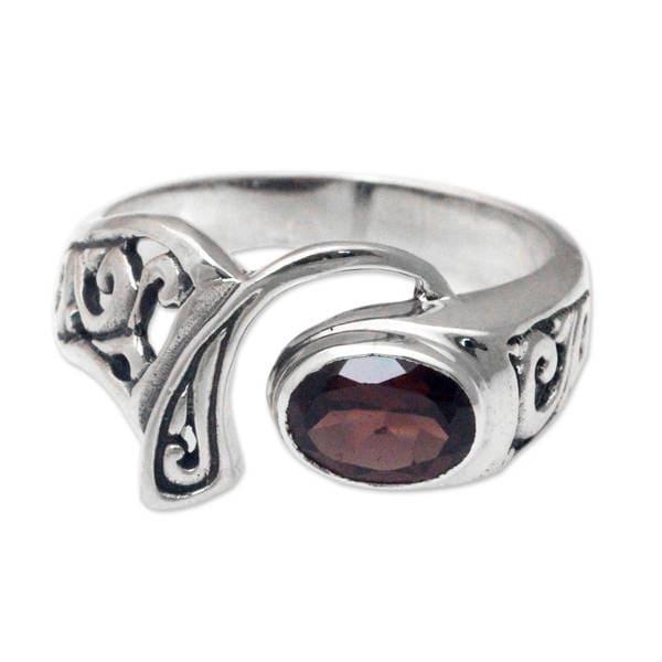 307ca2556f3c87 Handmade Ornate Garnet and Sterling Silver 'Jimbaran' Ring (
