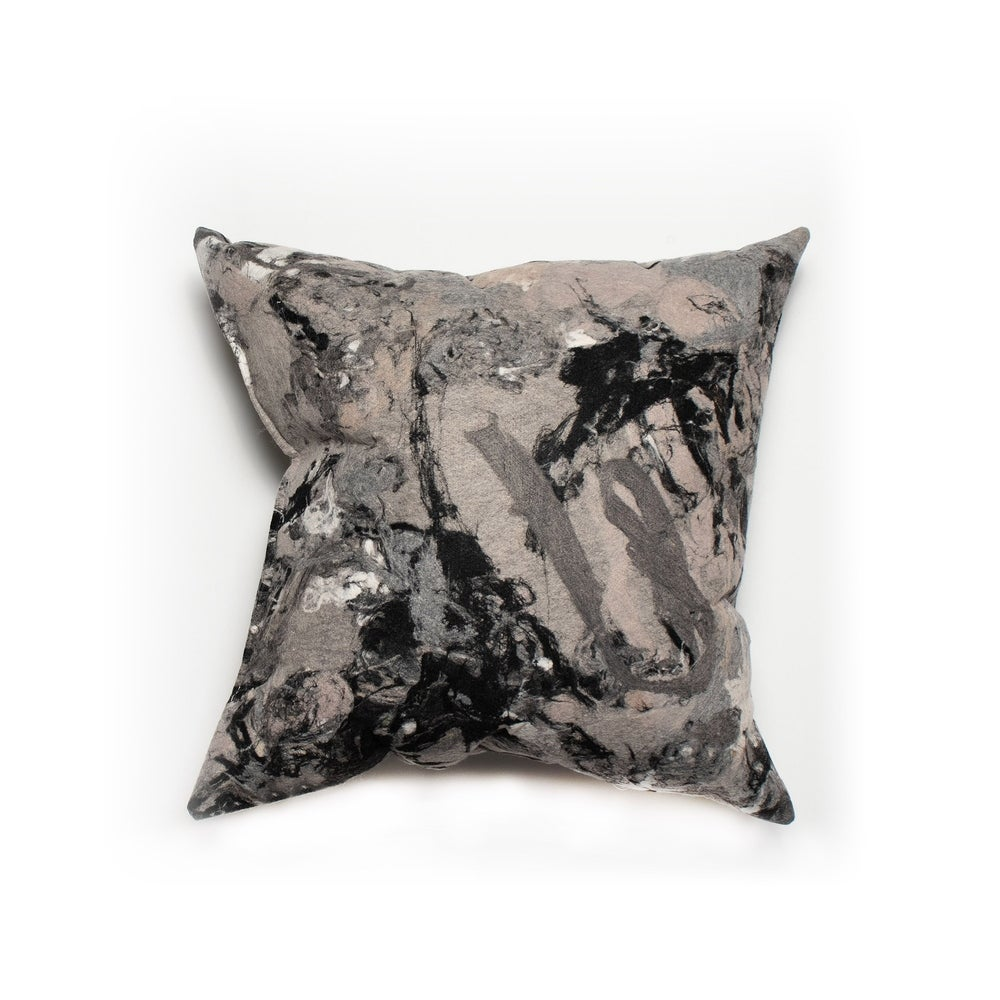Liora Manne Stone 18-inch Throw Pillow | Overstock.com Shopping - The Best Deals on Throw Pillows | 17840277