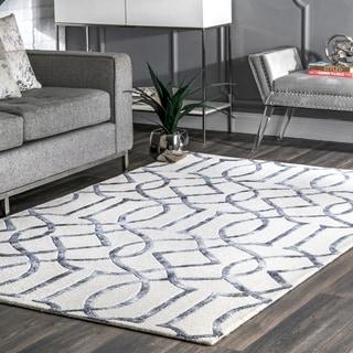 nuLOOM Handmade Interlocking Trellis Wool/ Viscose Silver Rug (7'6 x 9'6)