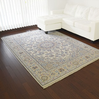 Nain Wool and Silk Hand-knotted Oriental Rug (5'6 x 8'1)