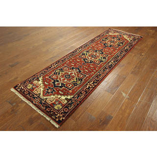 Hand-knotted Wool Red Persian Medallion Serapi Oriental Area Rug (2'7 x 8'1)