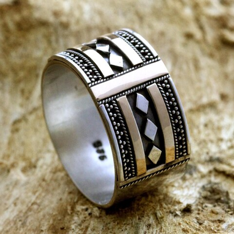 Handmade Gold Overlay 'Warrior's Path' Sterling Silver Ring (Indonesia)