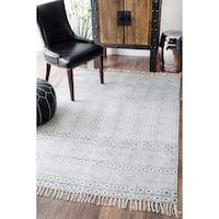 Strick & Bolton Evans Handmade Flatweave Diamond Chain Cotton Fringe Grey Area Rug - 7'6 x 9'6