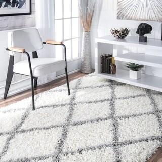 nuLOOM Soft and Plush Modern Diamond Trellis Moroccan Lattice Shag White Rug (6'7 x 9')