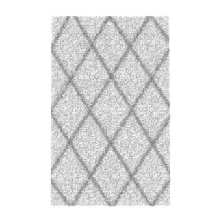 nuLOOM Soft and Plush Modern Diamond Trellis Moroccan Lattice Shag White Rug (5' x 8')