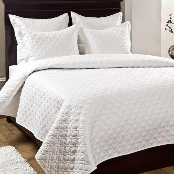 Crescent 3-piece Quilt Set