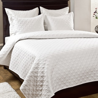 Crescent 3-piece Quilt Set