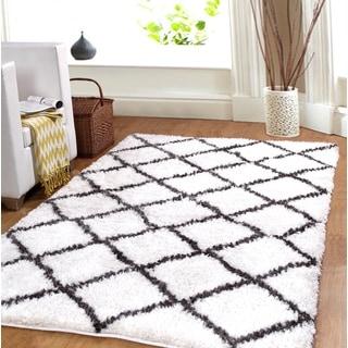 Affinity Hand-woven Trellis Cozy Shag Rug (8' x 10')