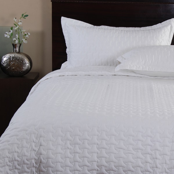 Cosmo White 3-piece Quilt Set