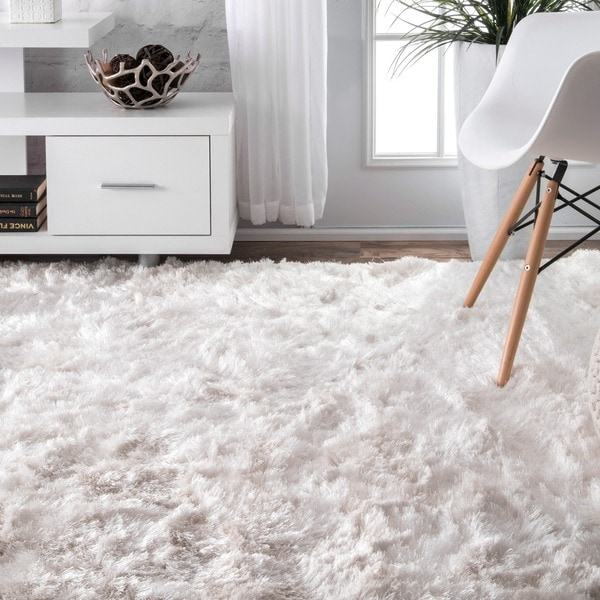 Silver Orchid Stewart Handmade Soft And Plush Silken Solid Shag White Rug (5' X 8') by Silver Orchid