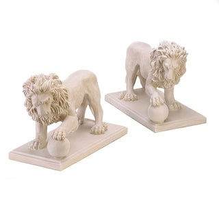 Elegant Outdoor Lion Sculptures