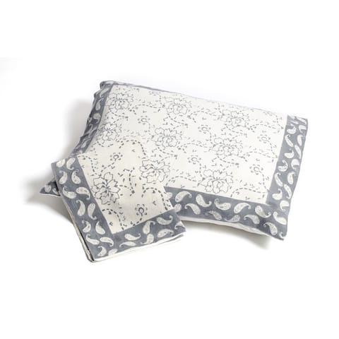 Handmade Chain Pattern Pillow Sham - Grey (Set of 2) Standard (India)