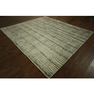H7607 Wool and Silk High and Low Pile Grey Moroccan Hand-knotted Wool Rug (7' x 8')