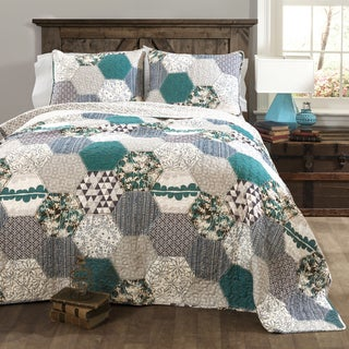 Link to Lush Decor Briley 3-piece Quilt Set Similar Items in Quilts & Coverlets