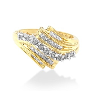 10k Yellow Gold 1/2ct TDW Round and Baguette Diamond Cut Ring(K-L,I2-I3)