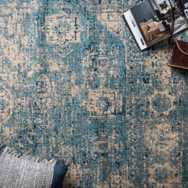 Traditional Light Blue/ Ivory Medallion Distressed Rug - 9'6 x 13'