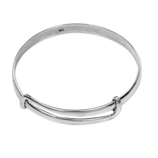 Handmade Sterling Silver 'Tender Embrace' Bracelet (Indonesia)|https://ak1.ostkcdn.com/images/products/10873285/P17910589.jpg?_ostk_perf_=percv&impolicy=medium