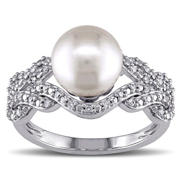 Miadora 10k White Gold Cultured Freshwater White Pearl and 1/5ct Diamond Cocktail Ring (G-H, I2-I3)